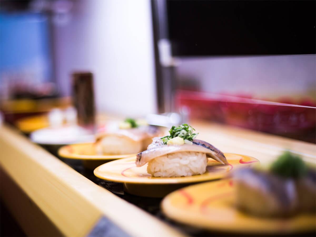 Let's Enjoy the Sushi Train (Kaiten-sushi, 回転ずし)!