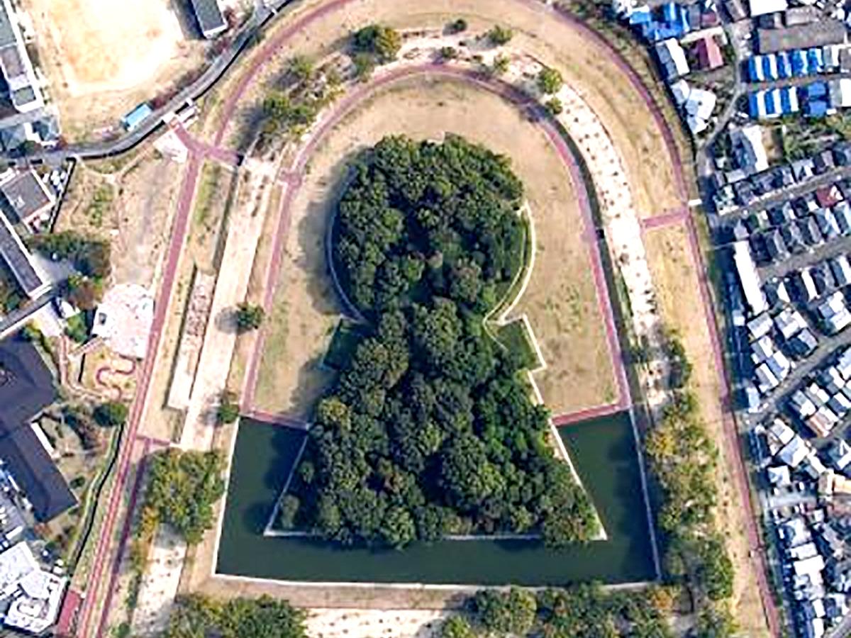 """Imperial burial mound """"Kofun"""" in Takatsuki, Osaka"""